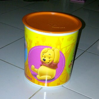 pooh-canister-4l-harga-rp-120ribu-berminat-sms-085648545252-dychana-tupperware-promo-ready-stock-november-desember-2012- 2013
